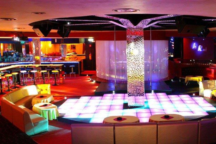 lavorare nei night club