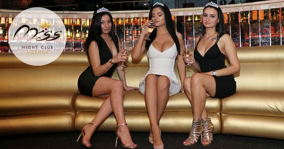 abbigliamento figuranti di sala ragazze night club